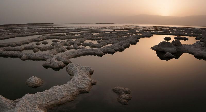 Black healing mud from Dead Sea
